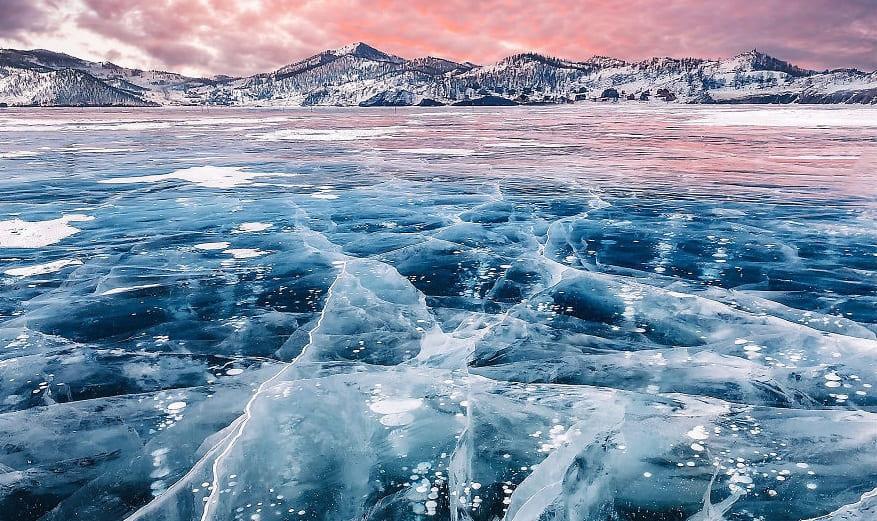 Когда лед Байкала замерзает