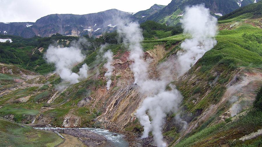 Знаменитая долина гейзеров