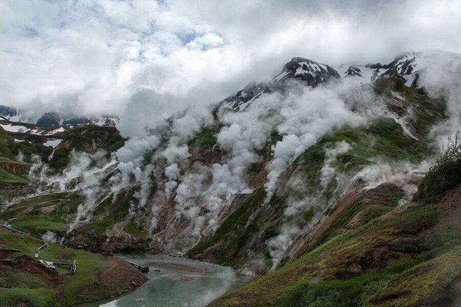 Долина гейзеров на полуострове