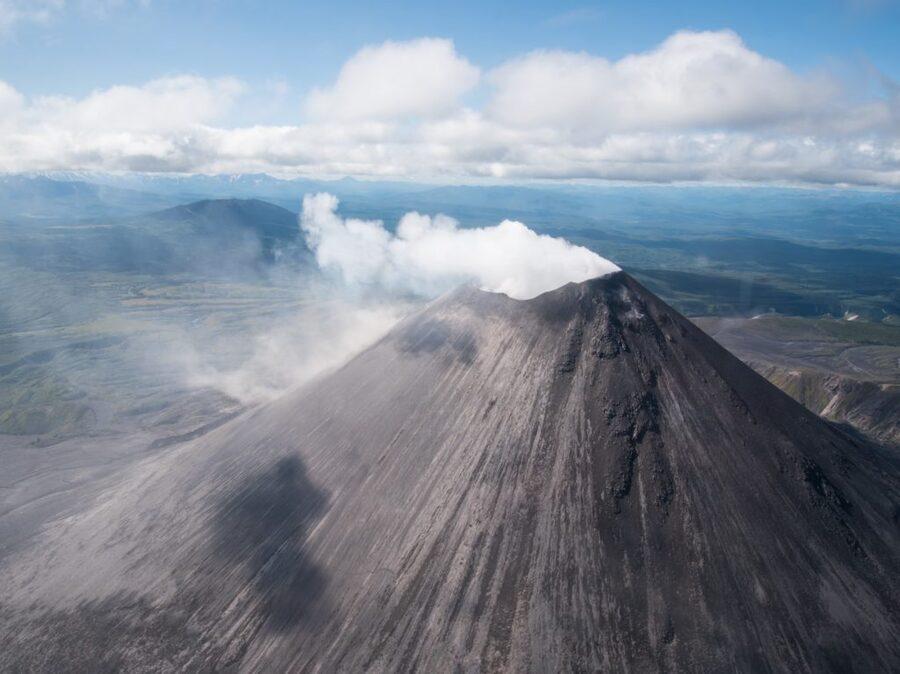 Экскурсия с облетом знаменитых вулканов