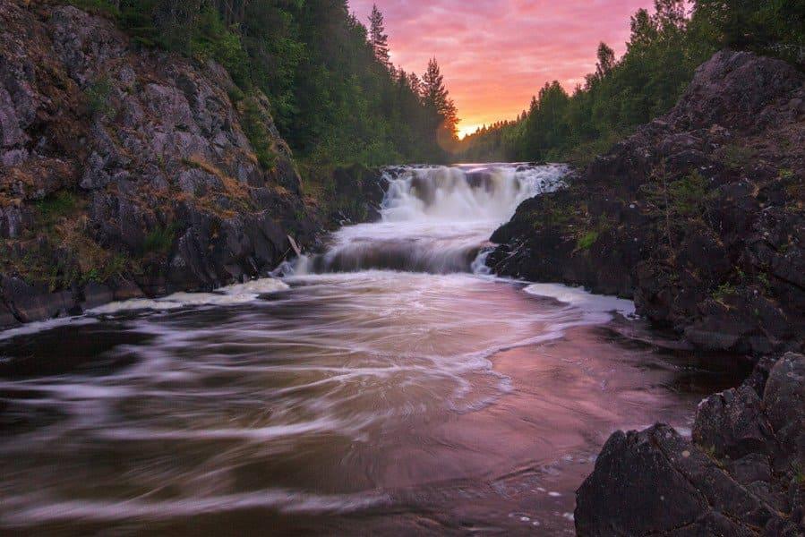 Знаменитые водопады Карелии